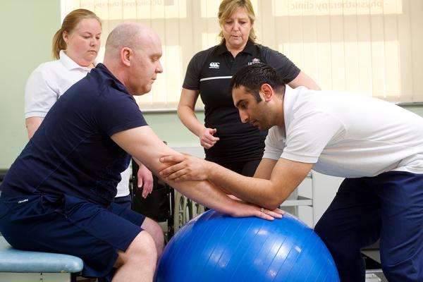 21697 - Academic with physiotherapy students